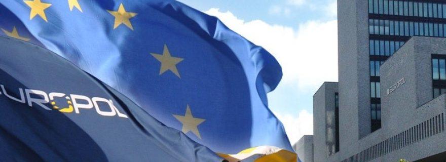 Understanding Europol in three dilemmas